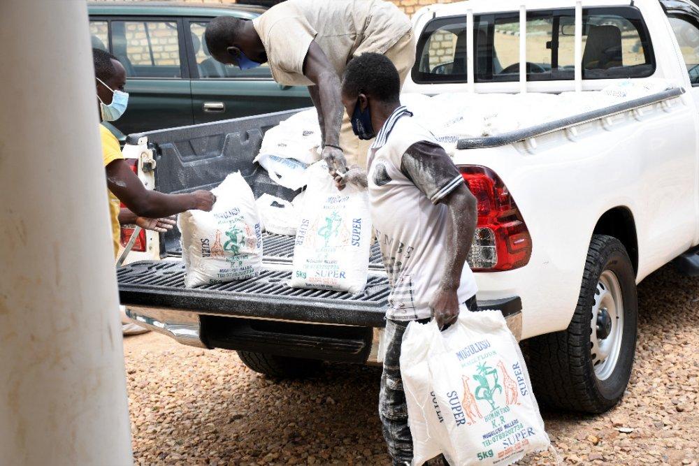 Nyamagabe: Abanyamadini bahaye abari muri guma mu rugo ibiribwa bifite agaciro ka 2,760,000 Frw